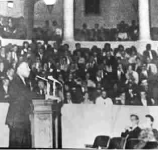 Photo of Martin Luther King Jr. speaking at U.Va. in Old Cabell Hall in 1963.